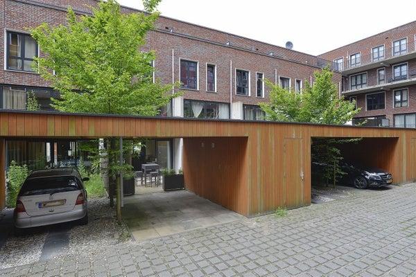 Claus van Amsbergstraat, Amsterdam