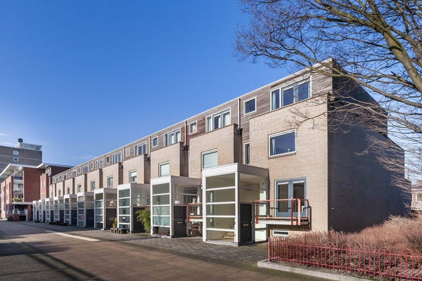 Jhr. Carel Sternplein, Voorburg