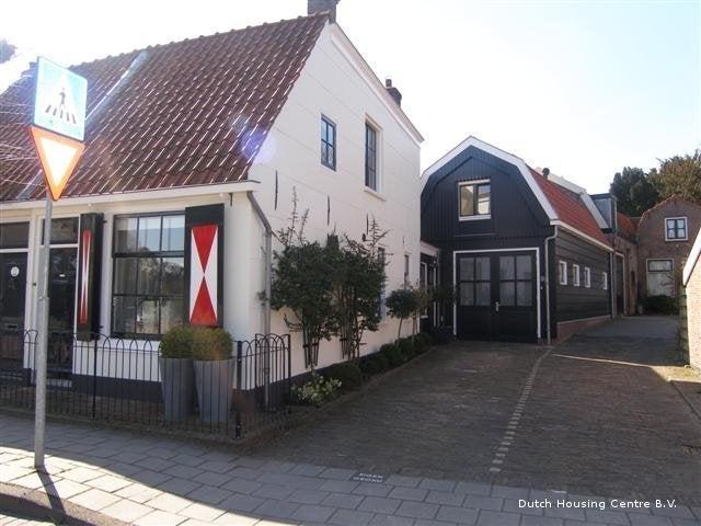 https://public.parariusoffice.nl/15/photos/huge/1249118.1350642193.jpg