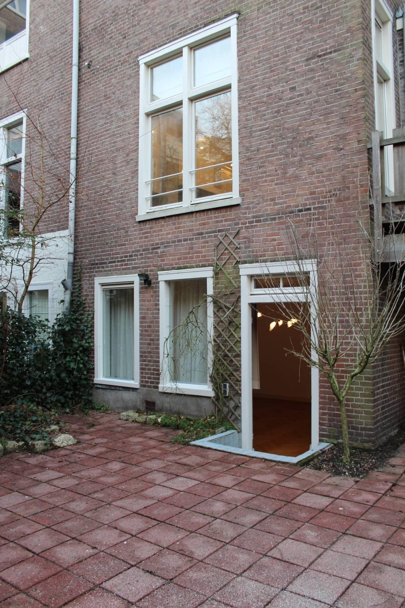 https://public.parariusoffice.nl/15/photos/huge/2742.1464698771-883.JPG
