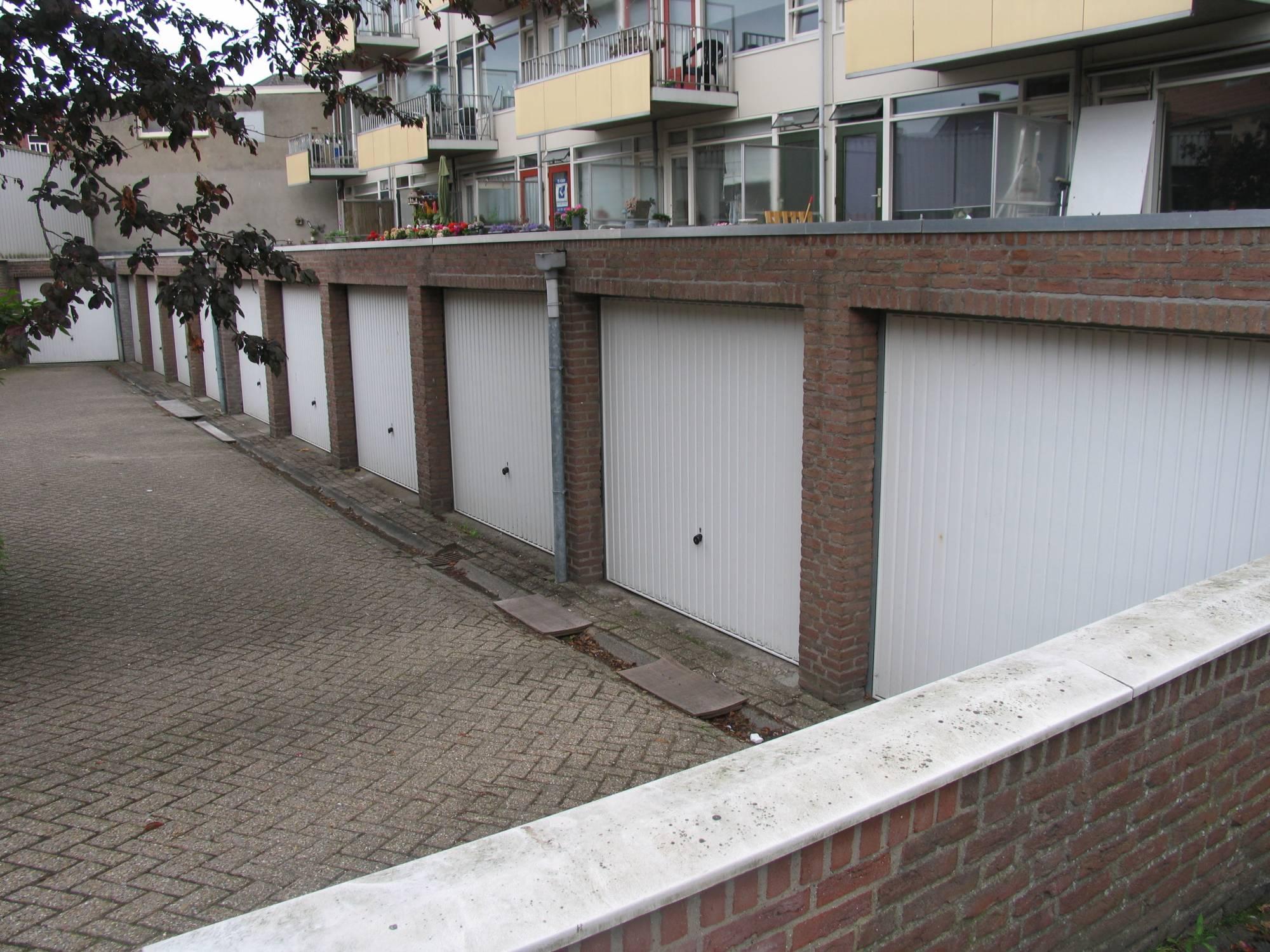 https://public.parariusoffice.nl/170/photos/huge/2245071.1372754587-917.JPG