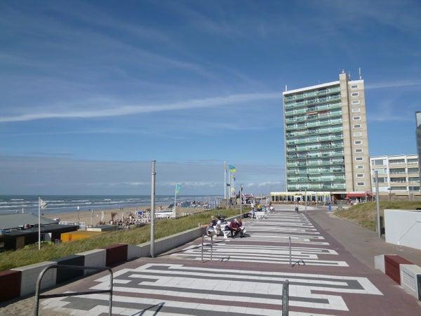 De Favaugeplein, Zandvoort
