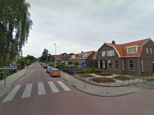 Burgemeester van Esstraat, Pernis Rotterdam
